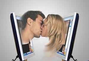 Муж в Интернете переписывается с девушками. Возможна виртуальная любовь